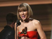 """بالصور.. القائمة الكاملة للفائزين بجوائز """"Grammy"""" لعام 2016.. إيد شيران يفوز بجائزة أفضل أغنية.. تايلور سويفت أفضل ألبوم وكليب للعام عن """"1989"""".. وميجان ترينور تفوز بأفضل نجمة جديدة"""
