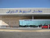 مطار أسيوط يستقبل رحلة استثنائية تقل 165 من المصريين العالقين بالإمارات