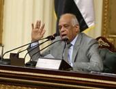 """""""عبد العال"""" منتقدًا سوء الاتصالات: """"يبدو أن الدولة العميقة موجودة بالقاعة"""""""