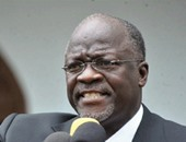 رئيس تنزانيا يقيل وزيرين بسبب خلاف على أسعار الكاجو