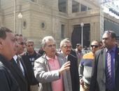 بالصور..جابر نصار يتفقد التجهيزات النهائية لمسرح حفل منير بجامعة القاهرة