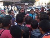 طلاب معاهد التمريض الخاصة ينظمون وقفة احتجاجية أمام وزارة الصحة
