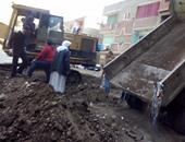 حى بولاق الدكرور يصادر معدات ويوقف أعمال حفر مخالفة