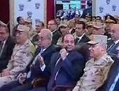 السيسى يطالب بإصلاح مهبط طائرات بمطار القاهرة فى شهر واحد