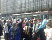 أهالى المهاجرين غير الشرعيين يتظاهرون أمام البرلمان