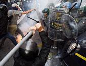 اعتقال 4 جزائريين فى مدرج مطار لشبونة وتعطل الملاحة نصف ساعة