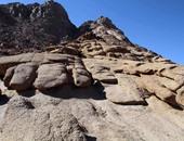 بالصور.. جبل الدير أقدم طريق للرهبان من الصحراء لدير سانت كاترين