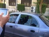 موظفة بجامعة القاهرة: الإخوان حطموا زجاج سيارتى.. وحسبى الله ونعم الوكيل
