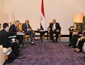 محلب يلتقى وزير الدولة السنغافورى للشئون الخارجية ووزير المالية الفرنسى
