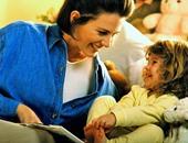 استشارى طب أطفال: حدوتة قبل النوم تنمى ذكاء طفلك وقدراته العقلية