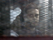 """بالفيديو..متهمة بـ""""أحداث الوزراء"""": احكموا عليا بالإعدام.. والقاضى: بلاش أفلام عربى"""