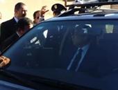 بالفيديو.. وزير الداخلية يتفقد سيارة شرطة مجهزة بكاميرات وأجهزة اتصال