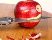 استخدم الطب البديل لعلاج الهضم والسكر.. وتنظيف الأسنان بالتفاح