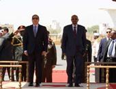 السيسى يهنئ البشير والشعب السودانى بعيد الأضحى