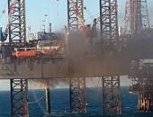 إنقاذ 90 عاملا بعد نشوب حريق بحفار بترول فى خليج السويس