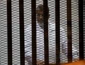 """تأجيل محاكمة """"مرسى"""" و10 من قيادات الإخوان بـ""""التخابر مع قطر"""" لـ5 أبريل"""