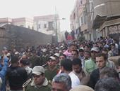 بالصور.. جنازة الشرطى شهيد المحلة الثالث تتحول لمظاهرة ضد الإخوان