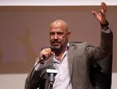 """رد قاسٍ من أشرف عبد الباقى على منتقدى """"مسرح مصر"""""""