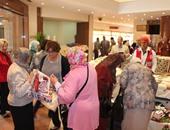 مؤمنة كامل تفتتح معرض الهلال الأحمر للمشغولات اليدوية والخيامية