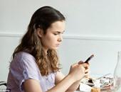 دراسة: هاتفك الذكى لن يساعدك فى حالات الاغتصاب والعنف المنزلى