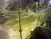 صحافة المواطن.. بالصور.. إنفجار ماسورة مياه بإحدى شوارع منطقة وادى حوف بحلوان