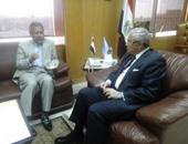 وزير السياحة يلتقى بالسفير الماليزى لمناقشة تسيير رحلة طيران أسبوعية لمصر