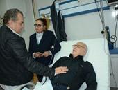 استقرار الحالة الصحية لصلاح عبدالله بعد سقوطه مغشيا عليه بجنازة شقيقه