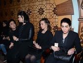 كريم عبدالعزيز وشريف سلامة وروجينا ووفاء عامر فى عزاء شقيق صلاح عبد الله