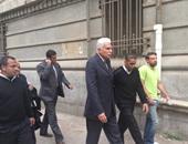 الجنايات تلغى قرار منع أحمد نظيف وأسرته من السفر والتصرف فى أموالهم