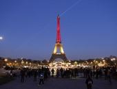 """""""باريس من السماء"""".. برج إيفل يوفر تجربة للباحثين عن الإثارة.. فيديو"""