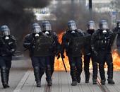المئات من عناصر الشرطة الفرنسية يتظاهرون تعبيرا عن غضبهم من وزير الداخلية