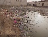 """بالصور..كارثة صحية وبيئية بقرية ذو الفقار بالفيوم..أطفال القرية أصيبوا بالالتهاب الرئوى والأمراض الفيروسية بسبب مستنقعات الصرف الصحى..والأهالى يصرخون:""""بيوتنا وقعت وأولادنا تعبوا ومحدش بيسأل فينا"""""""