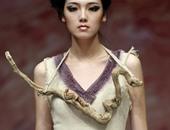 الأزياء الفرعونية تفرض نفسها على عروض الأزياء بأسبوع الموضة فى الصين