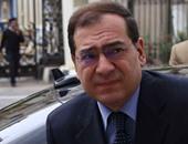 وزير البترول يصل مطار رأس شقير لبدء تفقد رأس غارب