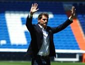 كاسياس يتعاطف مع بينيتيز ضد ريال مدريد.. ويتحدث عن الكلاسيكو