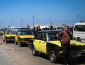 سائقو التاكسى بالإسكندرية ينهون إضرابهم بعد التفاوض مع الأمن