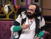 أبو الليف يكشف عن كلمات أغنيته الجديدة لتامر أمين على راديو مصر