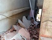 نجاة 20 شخصاً من الموت عقب انهيار منزلين وسط مدينة أسوان