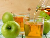 4 مشروبات للتغلب على حرقان المعدة.. عصير التفاح والقرفة أهمها