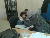 الكشف على 916مواطنا بقافلة طبية فى قرية الخضر بمركز يوسف الصديق بالفيوم