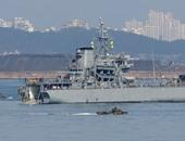 سفينتان حربيتان أمريكيتان تمران من مضيق تايوان وسط توترات مع بكين