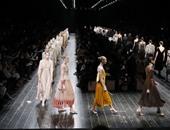 """تصميمات متنوعة فى مجموعة """"فالنتينو"""" باسبوع الملابس الجاهزة بباريس"""