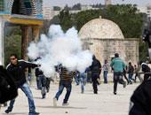 قوات الاحتلال تقتحم بلدات بالضفة الغربية وتطلق الغاز المسيل للدموع