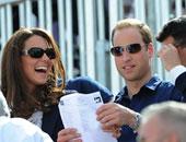 الأمير وليام وزوجته كيت يطالبان المصورين بالتوقف عن ملاحقة جورج
