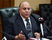 """وزير التنمية الإدارية الأسبق: التعيينات بالواسطة أصبح """"شبه مستحيل"""""""