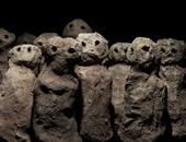 بالفيديو.. فنانة تحارب الظلم الاجتماعى بـ650 تمثالا من طين المد والجزر