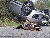 بريطانى يضحى بسيارته الجديدة فى حادث مقابل إنقاذ بطة