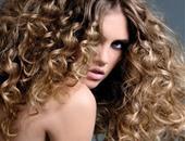 بالبيض.. 3 ماسكات لعلاج الشعر المجعد
