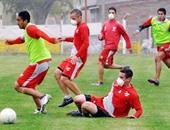 """""""بركان"""" يُجبر فريقا أرجنتينيا على ارتداء الأقنعة فى المران"""