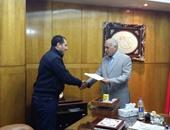 مدير أمن بورسعيد يكرم 4 ضابط شرطة ومدنيا تقديرًا لجهودهم